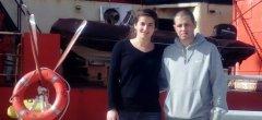 El investigador Martín Varisco, y la becaria Romina Verga a bordo del Buque Oceanográfico Puerto Deseado