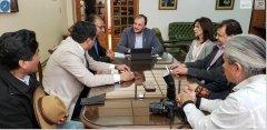 Visitó el rectorado de la UNPSJB, el embajador del estado plurinacional de Bolivia, Santos Javier Tito Véliz